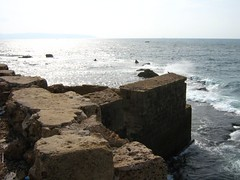 "sea wall in akká • <a style=""font-size:0.8em;"" href=""http://www.flickr.com/photos/70272381@N00/305439490/"" target=""_blank"">View on Flickr</a>"