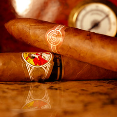 Take care of your camera and your humidor. (Ioja) Tags: reflection la cigar gloria granite cigars cuban cubana humidor hygrometer gtaggroup ioja montecristono2cuban lagloriacubanareserva