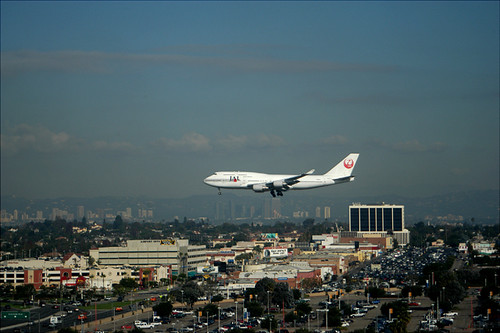 Japan Airlines 747 approaching LAX Airport 01381