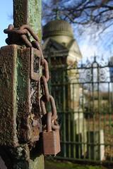 Rusty lock - by hddod
