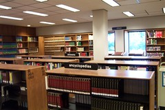 Reference Area (highlinelibrary) Tags: plaza library books biblioteca reference highline firstfloor hcc dictionaries encyclopedias atlases highlinecommunitycollege librarytour highlinelibrary referencearea plazalevel maktabad hcclibrary ll100