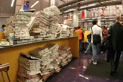 Yodel Anecdotal님이 촬영한 Pizza carnage.