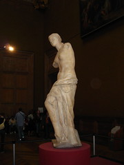Venus de Milo (borkazoid) Tags: woman paris france statue museum venus louvre armless venusdemilo thelouvre museedulouvre parisoct2006