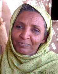 -Bedouin woman- (Vt Hassan) Tags: africa portrait people woman face look eyes women top sudan tribe bedouins scarification bedouin theface scarifications hawavir havavir