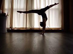 splitshouldersback (plouay) Tags: yoga handstand split contortion handbalancing