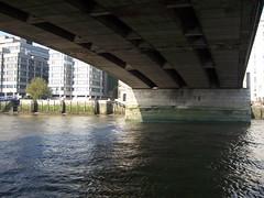 100_1385.JPG (Miki the Diet Coke Girl) Tags: england london thamesriver riverboatcruise