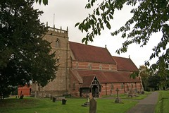Alvechurch, St Laurence,Worcestershire (Tudor Barlow) Tags: autumn england churches villages worcestershire alvechurch tamron1750 grade2listedbuilding parishchurches