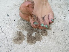 dc8151fe4ff273 Muddy Toes (Stink Goddess) Tags  green love feet boys foot toes nail goddess.  My favorite flip flops ...