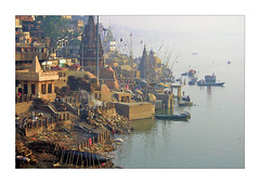 Varanasi - Manikarnika ghat (Elishams) Tags: city india remember searchthebest indian holy varanasi indianarchive hinduism kashi ganga ganges cremation banaras maa benares benaras ghat northindia gange uttarpradesh  manikarnika indedunord theunforgettablepictures