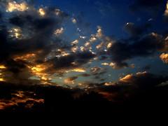 November Sunset (Kamala L) Tags: sunset sky india beautiful silver golden 29sep06