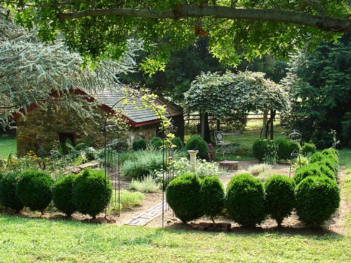 Creative Gardening Ideas - Make Your Yard a Garden Paradise!