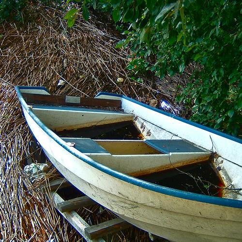 lake boat dirty tampere rowboart