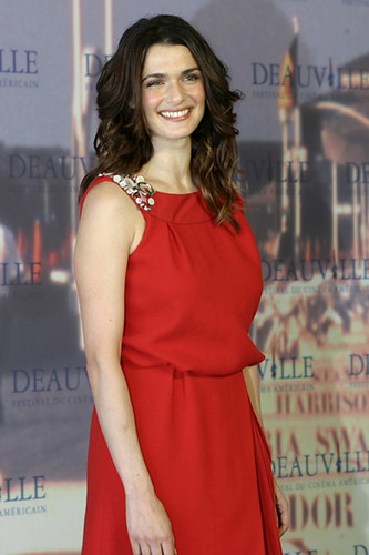 New Rachel Weisz Hairstyle