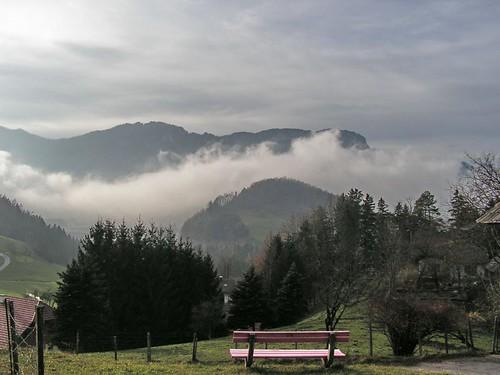 Великан курит трубку. Вид от церкви на близлежащие горы.