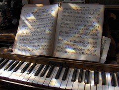 Wood-Up Quick-Step (Joe Shlabotnik) Tags: music march florida gorgeous piano 2006 keywest sheetmusic holloway myfave faved november2006 currymansioninn myphotoseverywhere heylookatthis