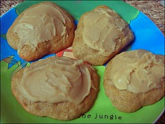 Frosted Banana Cookies (Yes Becky) Tags: home cookies baking 2006 hotchocolate homebaking homemadecookies tessakiros applesforjam frostedbananacookies