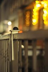 HFF (nirak68) Tags: lübeck schleswigholsteinkreisfreiehansestadtlübeck deutschland ger 343366 nachtaufnahme zaun fence strase weihnachten advent bokeh woche42 flickr 2016ckarinslinsede