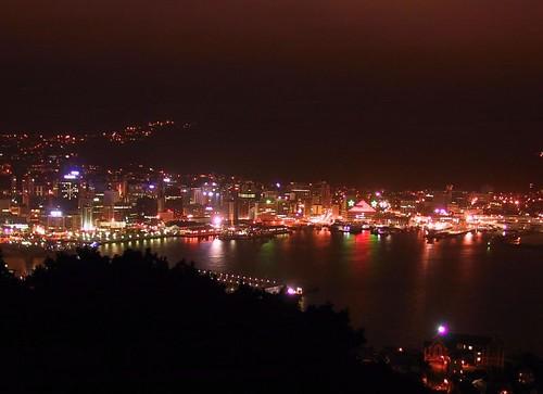 Ночной город красив в любой точке планеты