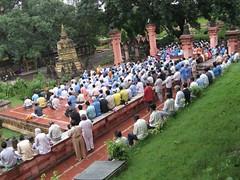 Mahabodhi Temple   mass meditation 1