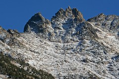 jagged peaks of the kangaroo range (Vida Morkunas (seawallrunner)) Tags: autumn usa mountains color colour fall washington lakes stormy roadtrip northcascades cwall ncnp