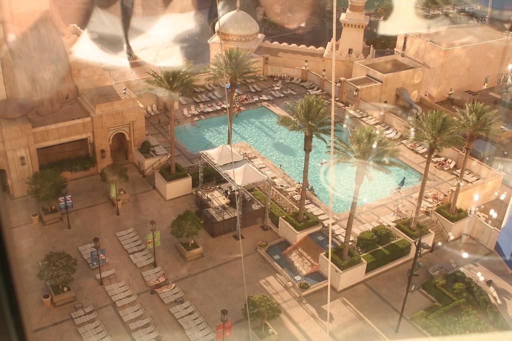 aladdin-pool