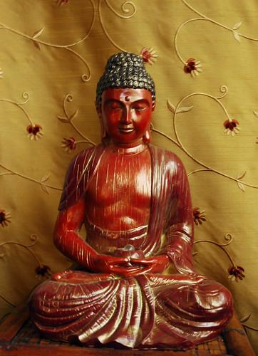 Amitabha Buddha / Gyalwa Gyamtso statue by Wonderlane