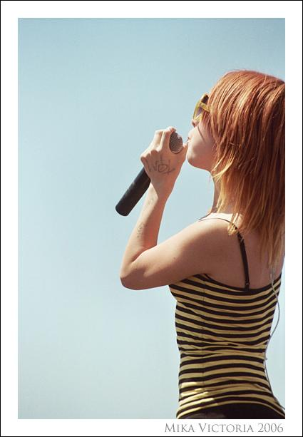289067743 5bcf9ebb37 o - Hayley Williams