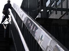 060927 (anna.t.j) Tags: stockholm olympus sergelstorg banister morningrush