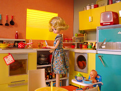 why isnt my baby gaining weight (Super*Junk) Tags: baby cooking kitchen miniatures miniature baking dolls retro rement housewife housekeeping mrcheeks osyalle momshappykitchen