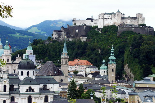 "Salzburgo • <a style=""font-size:0.8em;"" href=""http://www.flickr.com/photos/26679841@N00/294321041/"" target=""_blank"">View on Flickr</a>"