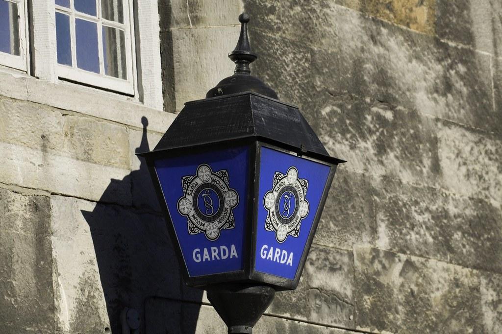 GARDA - IRISH POLICE