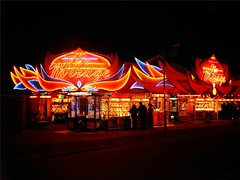 Hemsby Norfolk,The Mirage. (Richie Wisbey) Tags: vegas night dark flickr rich norfolk arcade 2006 richie richard mirage machines amusements slots hemsby grabmachines graboids wisbey richardwisbey richiewisbey richwisbey wisbeyflickr wisbeyphotography richiewisbeycollection