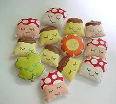 .: Mushrooms Puddings n More      Sweet Little Goodies :. (Warm 'n Fuzzy) Tags: sun cute dessert toy mushrooms paint handmade painted craft plush caramel softie cotton kawaii plushie vegetation flan etsy clover zakka warmnfuzzy warmnfuzzynet impressedbeauty