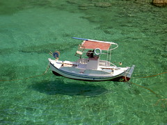 Grecia, Mani acque limpide - Greece, Mani clean sea water (alme_sol) Tags: summer boat flying barca mare estate mani barche greece grecia limpido
