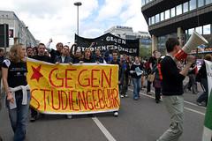 IMG_5504 (quox | xonb) Tags: germany demo europe stuttgart gegenstudiengebhren protest streik uni grodemo henning studenten demogegenstudiengebhren mittwoch megaphon id040505demo