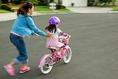 Letting go (fd) Tags: family childhood bike daughter utatahood wife suburbs panning themecompetition utataburbs tccomp165