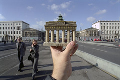 berlin, brandenburger tor (michael_hughes) Tags: souvenirs michael website hughes updated michaelhughes wwwhughesphotographyeu