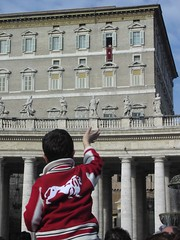 Boy hailing John-Paul II
