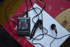 photo ofmp3 - Gadgets: Sansa MP3 player widely compatible, screen now fits album art