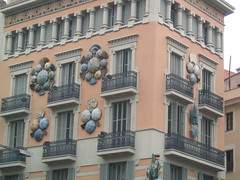 casa de paraguas (r) Tags: barcelona umbrella sombrilla paraguas