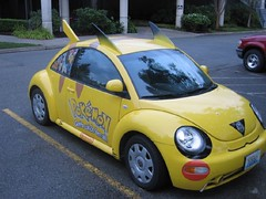 New Beetle do Pikachu (Maira Wenzel) Tags: usa car yellow vw volkswagen washington nintendo redmond pikachu pokemon newbeetle views4000