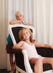 kids (ilunaplesk) Tags: old blue portrait white house smile kids eyes chair julia sister brother kinderen blond inside lovely babysit jordi yordi