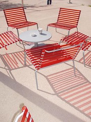 au Caf Branly (chelseafb) Tags: red paris france museum rouge chairs muse museo chaises quaibranly