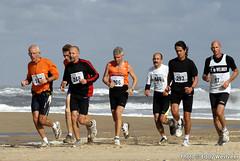 Zeeuwse kustmarathon 2006  EW_055 (Eddy Westveer) Tags: strand marathon zeeland walcheren zeeuwse oostkapelle westveer eddywestveer kustmarathon marathonzeeland marathonzeeland2006 zeeuwsekustmarathon 2006eddy wwweddywestveercom