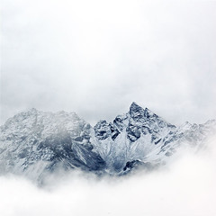 swiss alps (sausyn) Tags: white snow mountains alps switzerland naturesfinest blueribbonwinner abigfave diamondclassphotographer flickrdiamond mailciler