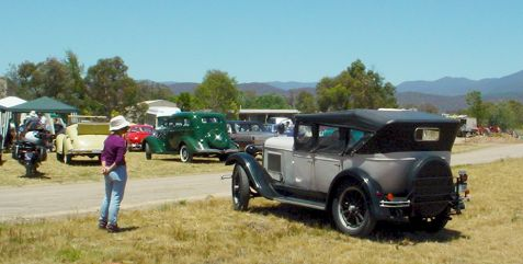 00013_old_cars_in_Canberra