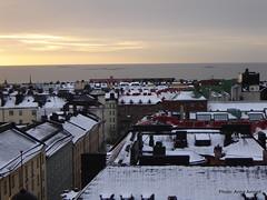 Sunrise in Helsinki in November. Aamurusko marraskuussa (Anna Amnell) Tags: winter snow finland helsinki firstsnow viewfromtheroof näköalakatolta