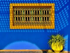 Moucharabieh (Alexbip) Tags: blue garden jardin bleu morocco maroc marrakech majorelle moucharabieh iknowthispicistakenapproximatively1348timesadaystillilikeit top20morocco