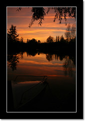 Sunset on the market gardens (Yann LECOEUR Photography) Tags: sunset france reflection tree nature colors landscape boat canonefs1755mmf28isusm canoneos400d yalestudio