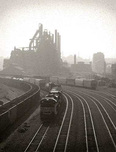 lehigh valley line along bethlehem steel by fiftyone_eggs.